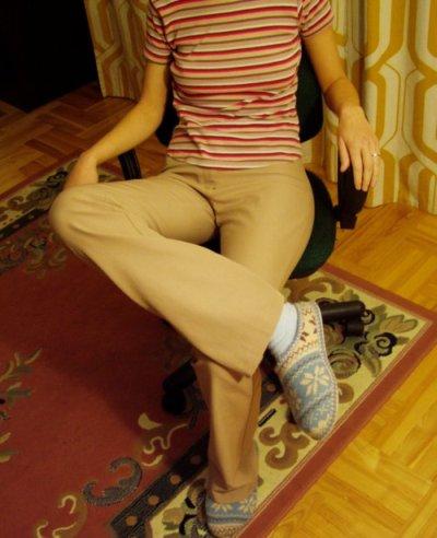 2-noga-na-nodze-prost-rece-400.jpg